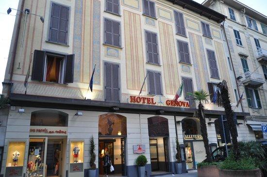 Hotel Genova: Фасад отеля