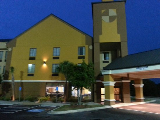 Best Western Plus Savannah Airport Inn & Suites : Entrance
