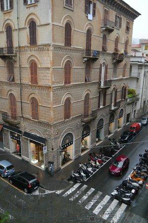 Hotel Genova: Вид из окна номера