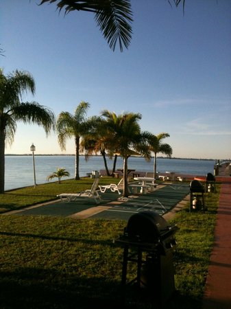 Banana Bay Waterfront Motel: The View from our front door!