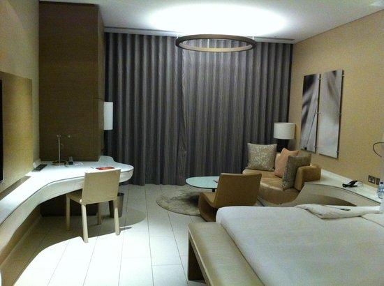 Yas Viceroy Abu Dhabi: Room 2