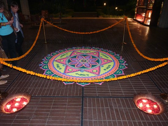 Crowne Plaza Kathmandu-Soaltee: Davali decoration.