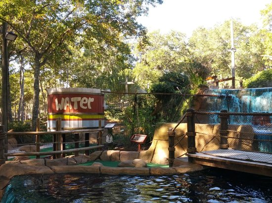 Pirate's Island Adventure Golf: Lots of great treasures to look at while playing some putt-putt golf...