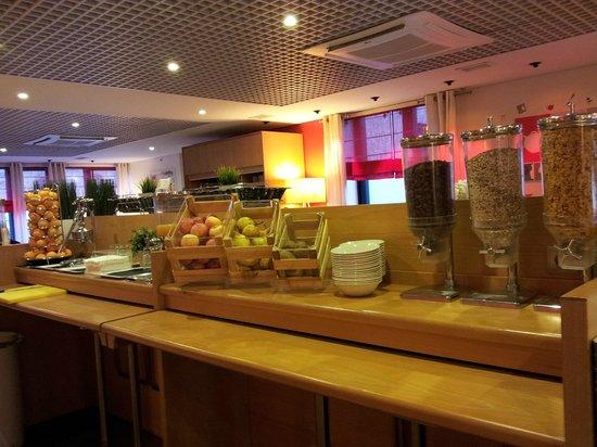 Ibis Porto Centro: Pequeno almoço