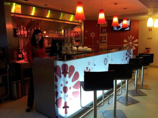 Ibis Porto Centro : Bar