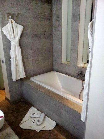 Cesar Resort & Spa: Badezimmer