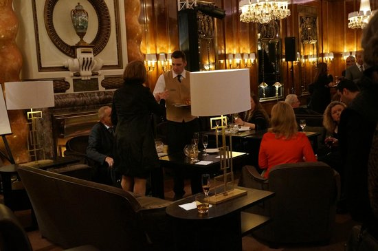 Hotel Bristol Vienna: We had a sneak peek at the newly renovated restaurant-- gorgeous!