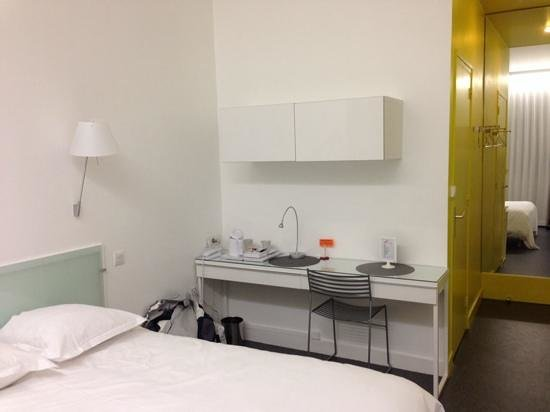 Hotel continental prices reviews saint etienne for Chambre 29 etienne daho