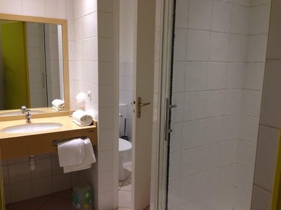 Hotel Continental: salle d'eau