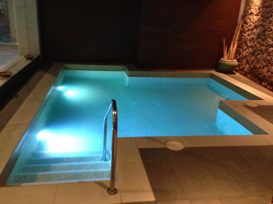 Be Live Family Costa los Gigantes : Spa floating pool