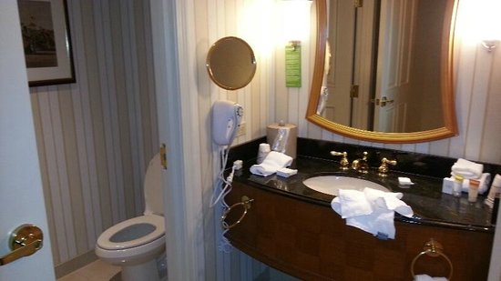 Showboat Atlantic City Casino : bathroom