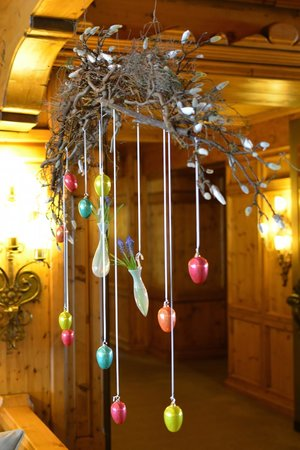 Interalpen-Hotel Tyrol: Easter decorations
