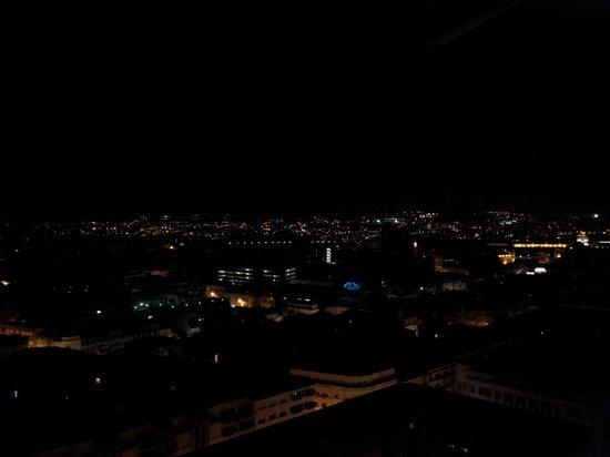 Dom Henrique Hotel : Vista panorâmica da cidade do Porto