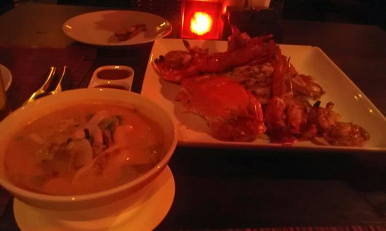 Buddha View Restaurant: Sea food bbq for two people (1,200THB) + Beef milky tomyum