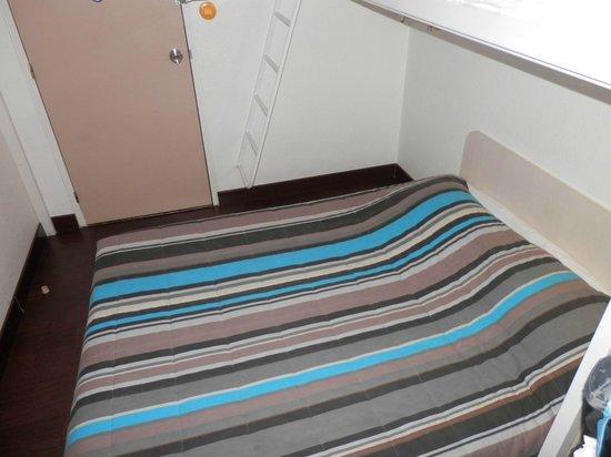 cama picture of hotel f1 nice villeneuve loubet villeneuve loubet tripadvisor. Black Bedroom Furniture Sets. Home Design Ideas