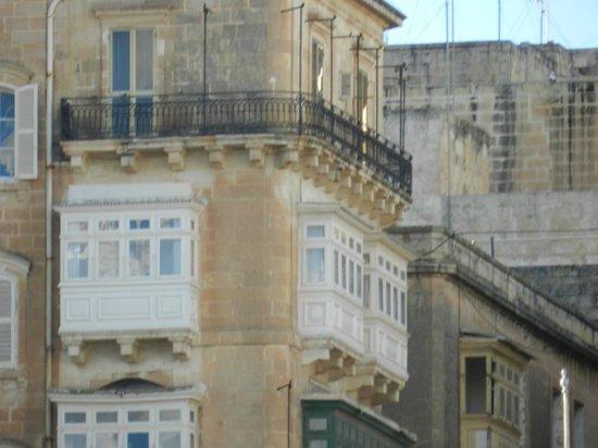 Grand Harbour Hotel: Camera con vista mare