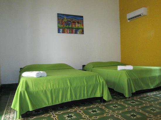 Hotel Balcones de Bocagrande : habitacion con dos camas