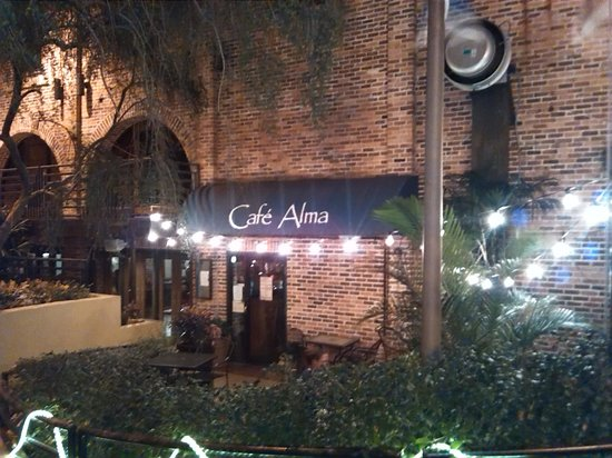 Cafe Alma: Great place