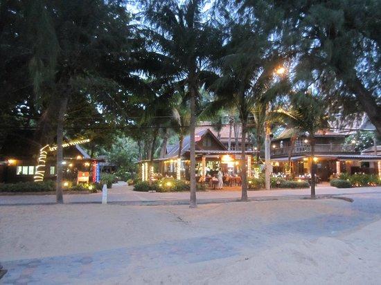 Rabbit Resort Pattaya's Grill House Restaurant : Grill House Restaurant Pattaya (June 2013)