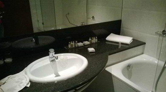 Grand Hotel Union Business: bathroom