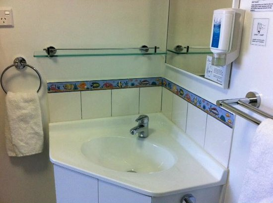 Central Motel: Bathrooms recently updated