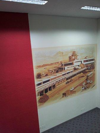 Ibis Sao Paulo Congonhas: Painel decorativo no 13o andar