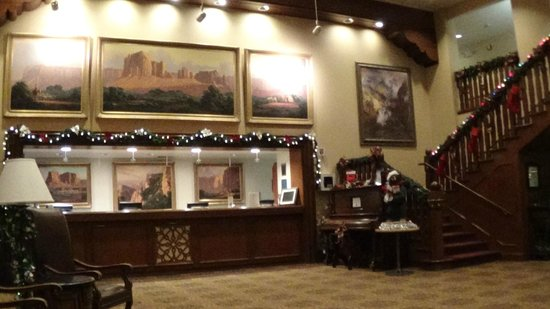 Grand Canyon Hotel: The beautifully decorated lobby