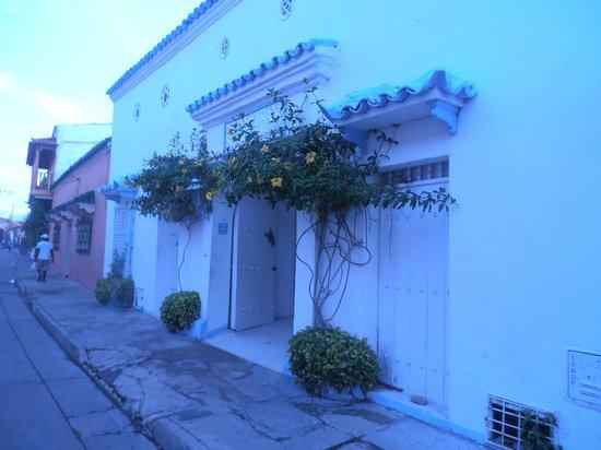 Hostal Casa Mara: entrada al hostal