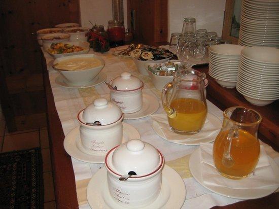 Hotel Dolomiten: colazione