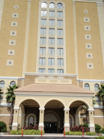 Lake Eve Resort: entrada hotel