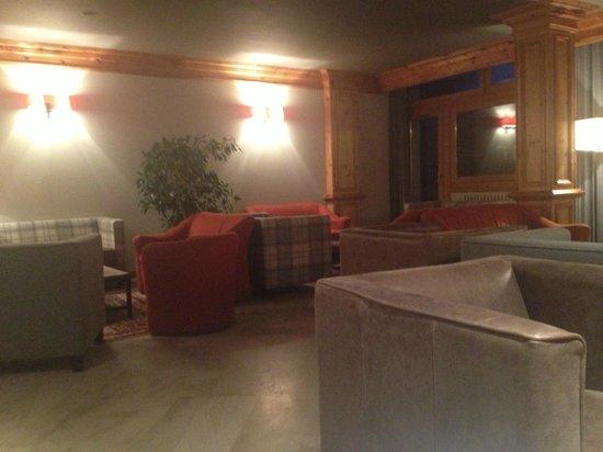 Hotel Altitude : Bar/Lounge area