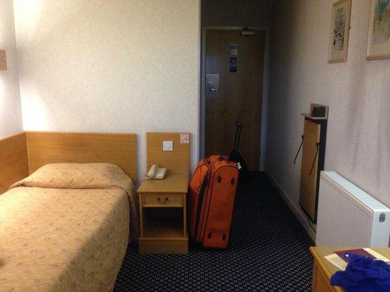 President Hotel: Single room