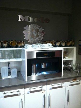 Paintbox Lodge: Coffee/Tea station