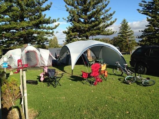 Adelaide Shores Caravan Park: our spot