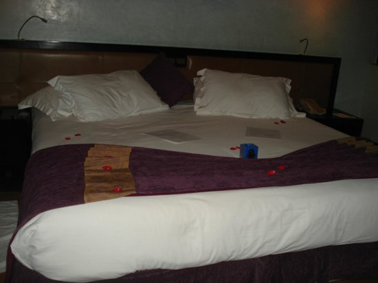 Club Med Marrakech le Riad: le lit à notre arrivée