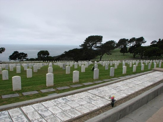 Cabrillo National Monument : Military graveyard nearby