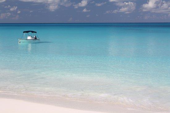 Cape Santa Maria Beach Resort & Villas : Spiaggia nella baia del CSM