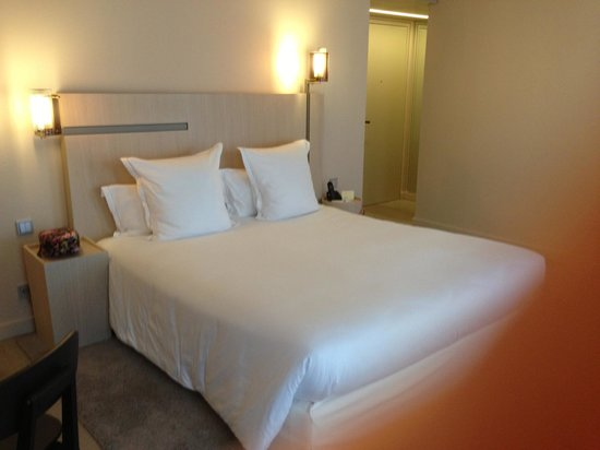 Hotel De Nell: Comfy bed
