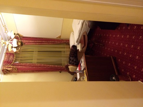 Hotel General: Office / additional bedroom