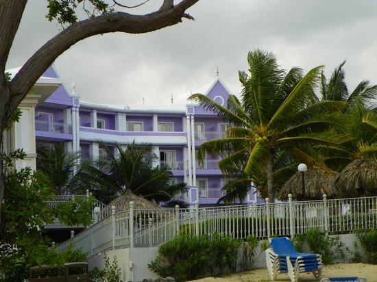 ClubHotel Riu Ocho Rios: view from beach