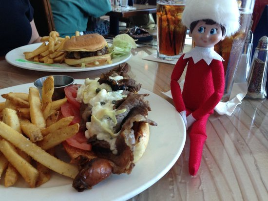 Frank and Lola Love Pensacola Cafe: Beef sancwich and North Shore Burger