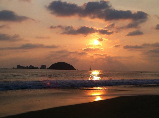 Sunscape Dorado Pacifico Ixtapa: spectacular sunsets