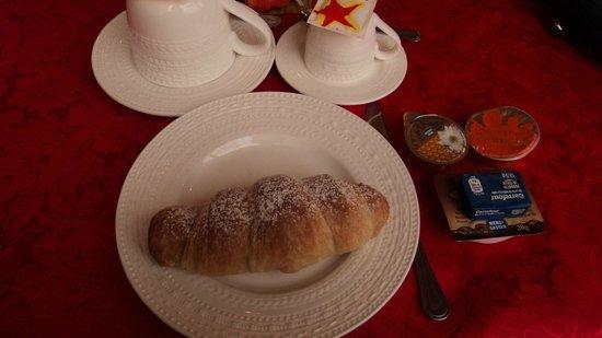 Bed & Breakfast Casetta Manfredi: Che buono il cornetto caldo !
