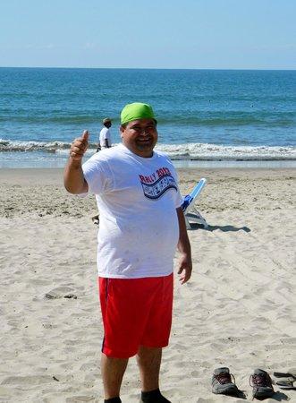 Occidental Grand Nuevo Vallarta: Favorite waiter David competing in the games