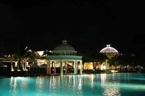 Iberostar Grand Hotel Paraiso: pool bar