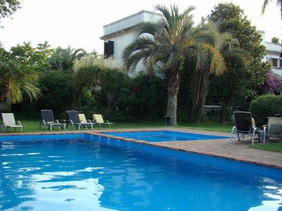Hotel Villa Victoria de Tigre: La pileta muy buena.