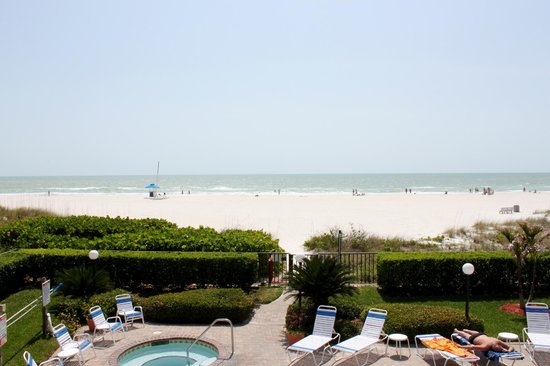 Gulf Beach Resort: View from a Gulf front view
