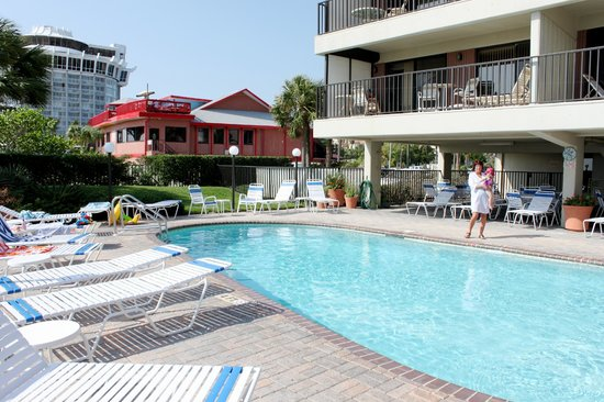 Gulf Beach Resort: Pool