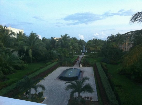 Dreams Tulum Resort & Spa: From lobby towards beach