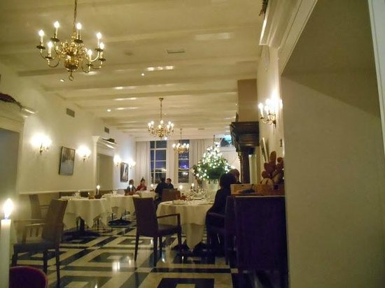 Restaurant Vermeer : casual but elegant dining room